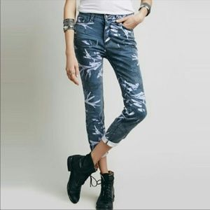 Free People Leaf Print Skinny Jean